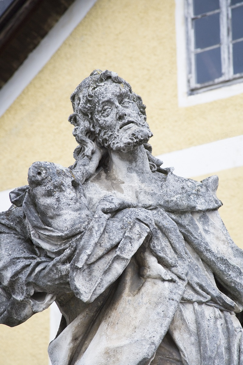 The sculpture of St Joseph in Slivnica pri Mariboru, detail (Institute for the Protection of Cultural Heritage of Slovenia, photo by Valentin Benedik, 2018)